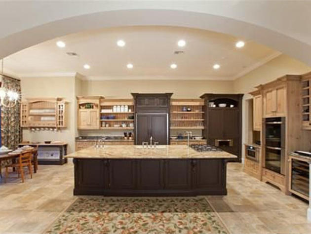 Bill-Gates-New-home-Kitchen
