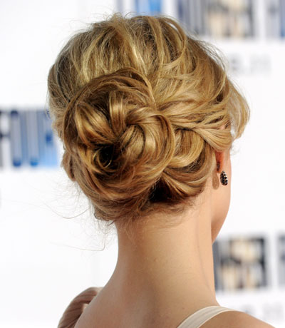 Twisted-Sister-Bun-Hairstyles