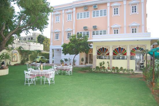 hotel-anuraag-villa-jaipur