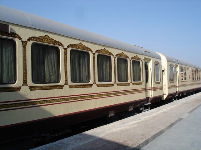 best luxury train in the world palace on wheels