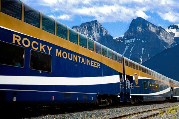 Rocky Mountaineer, Train Canada