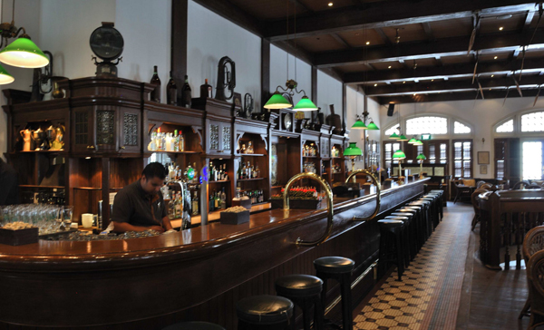 Long Bar at Raffles Hotel, Singapore