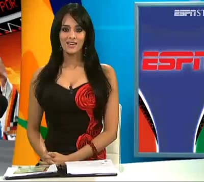 Top 10 Hottest Female Journalists from India - CrazyPundit com