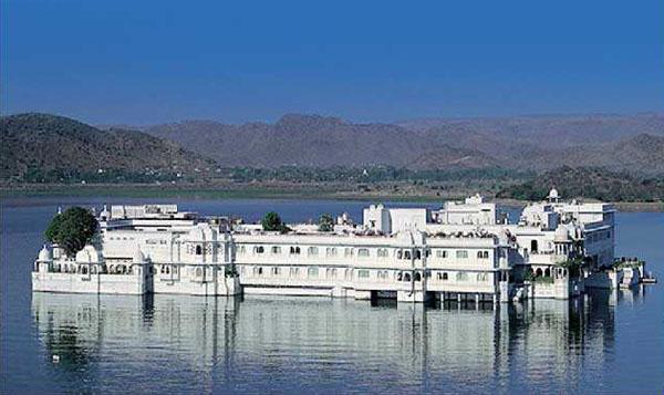 Pichola Lake udaipur Rajasthan