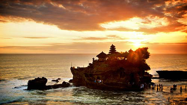 Sunset Tanah Lot Temple Bali