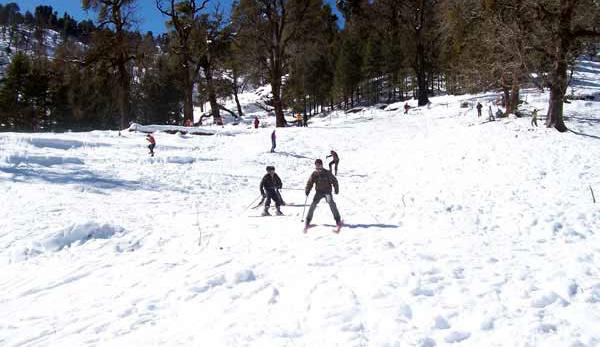 Munsiyari Skiing Uttaranchal