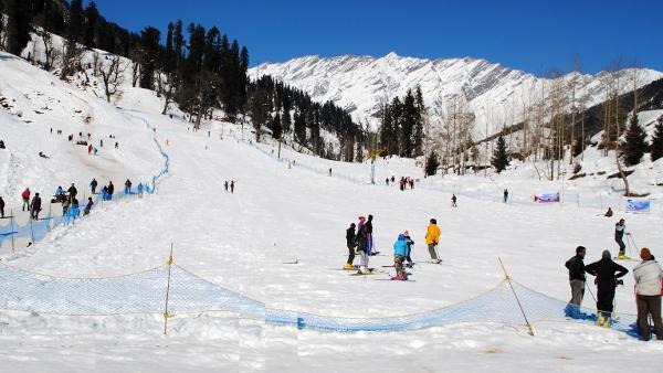 Solang Nala skiing Himachal Pradesh